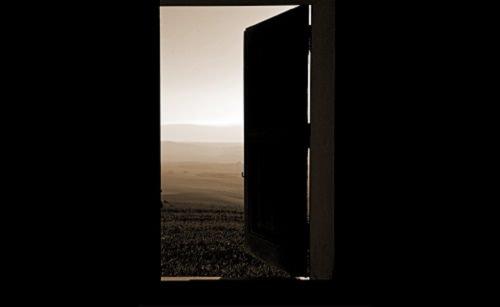 non lasciare la porta aperta