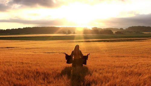 445784__happy-woman-in-golden-wheat-field_p