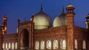 night_view_of_badshahi_mosque_kings_mosque